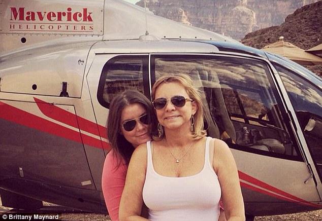 Brittany Maynard con la madre Deborah Ziegler