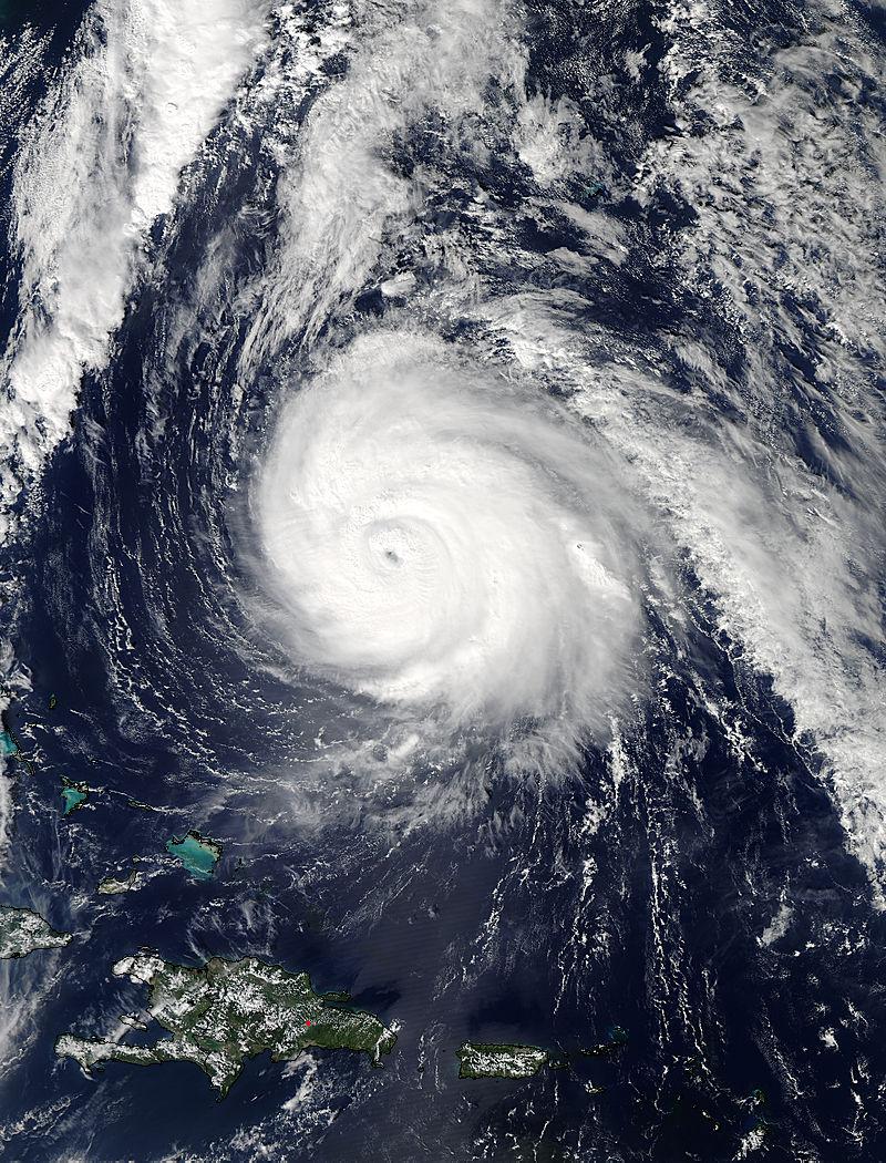 L'Uragano Gonzalo visto dallo spazio (fonte: NASA Goddard MODIS Rapid Response Team)