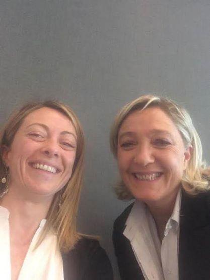 Giorgia Meloni e Marine Le Pen (fonte: Facebook.com)