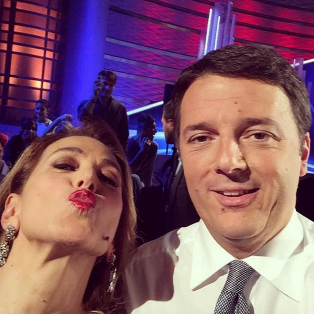 selfie matteo renzi barbara d'urso 1