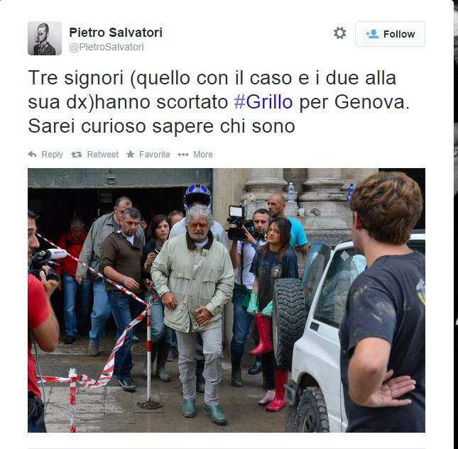 Beppe seguito dai suoi tre gorilla: (Fonte: Twitter.com via Pietro Salvatori)
