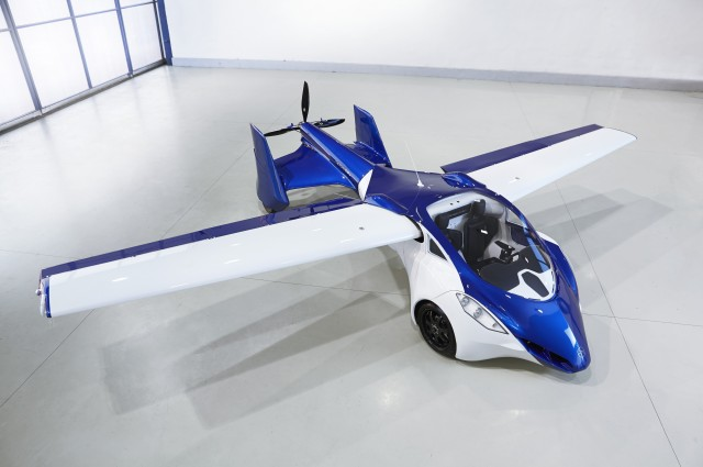 automobile che vola