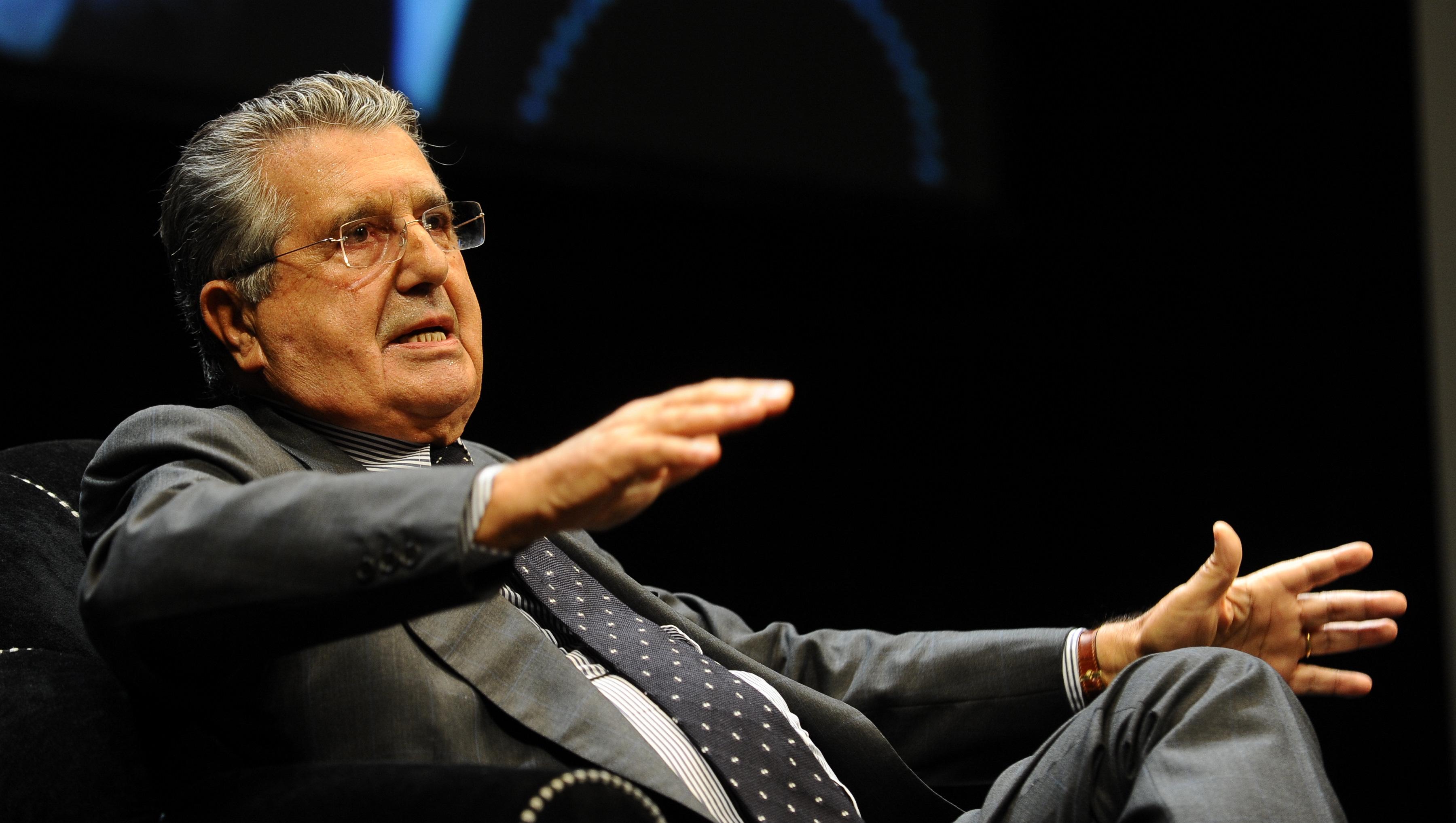 De Benedetti e la 'soffiata' sulle banche: «Il decreto passa, ho parlato con Renzi»