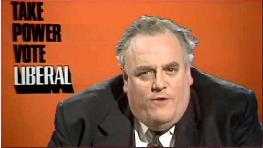 Cyril Smith (Fonte: tribunemagazine.com)