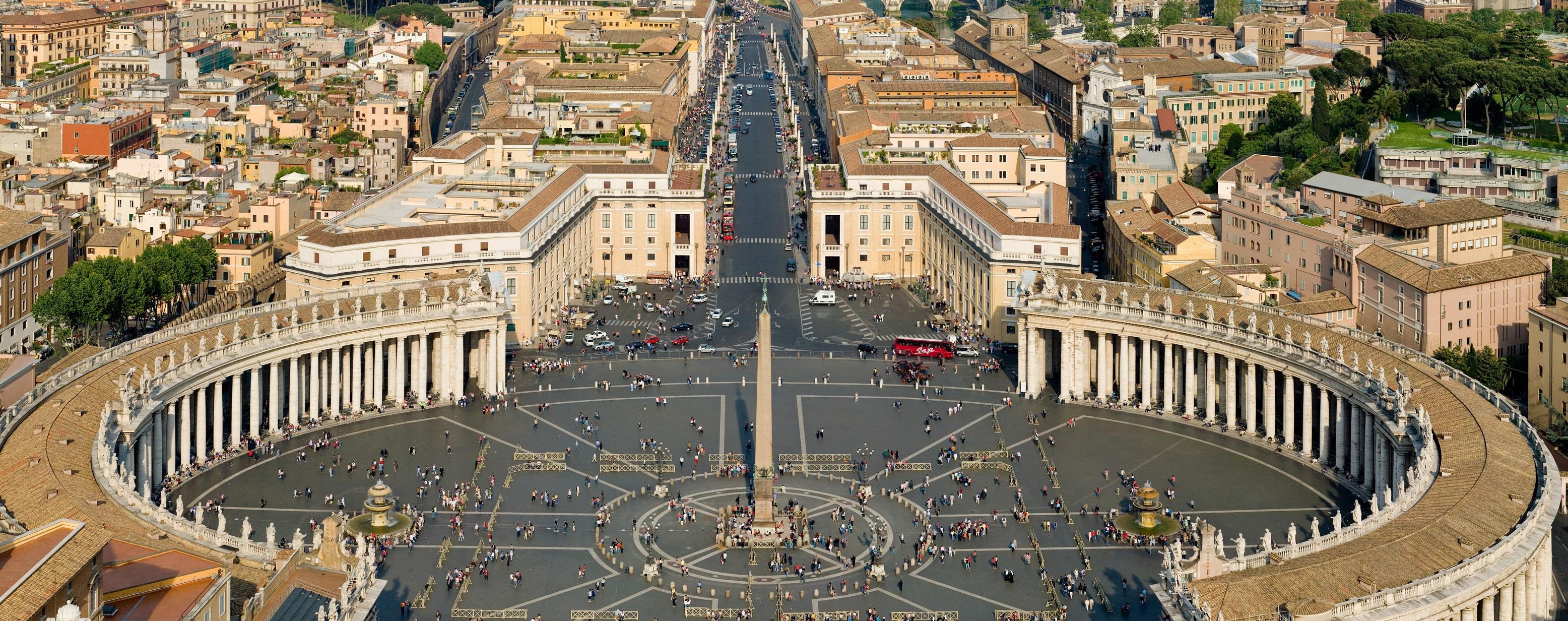 Quanto costa il vaticano alle famiglie romane nextquotidiano for Quanto costa il pex