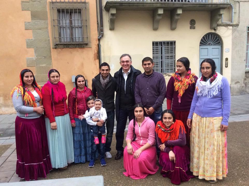 enrico rossi foto con i rom