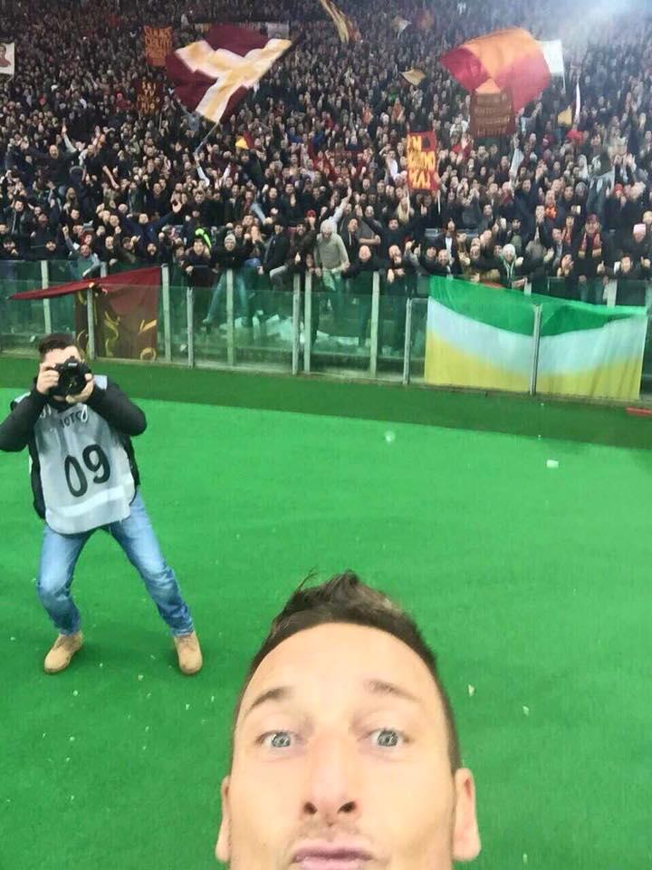 francesco totti selfie