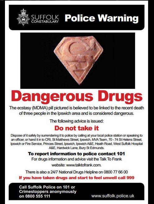 """""""Have you seen this drug?"""" L'avviso della polizia del Suffolk dopo i decessi di gennaio (fonte: Twitter.com)"""