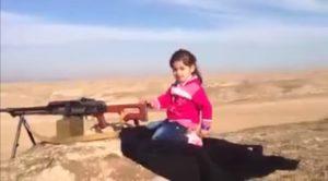 bambina curda mitragliatrice video