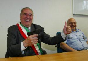 Giancarlo_Gentilini_pistola