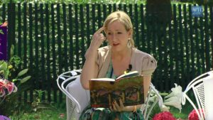 J._K._Rowling_at_the_White_House_2010-04-05_8