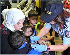 polizia marchia rifugiati