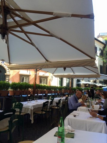 taverna-amici-tavoli-esterni-360x480