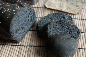 pane nero carbone vegetale