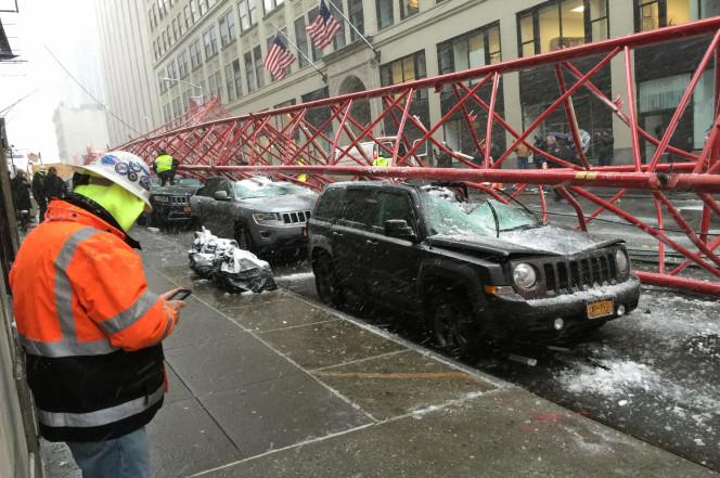 gru crolla Manhattan 3