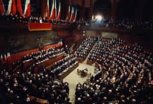 parlamentari 122 euro l'ora