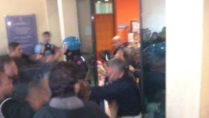 ragazza ferita poliziotto modena - 1