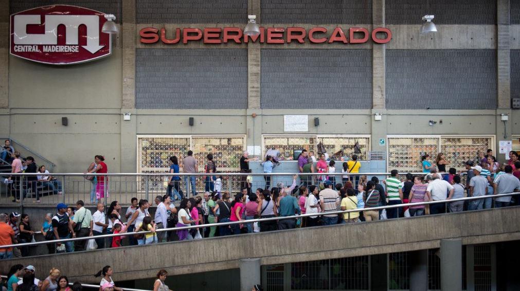 venezuela inflazione maduro fabbriche - 5