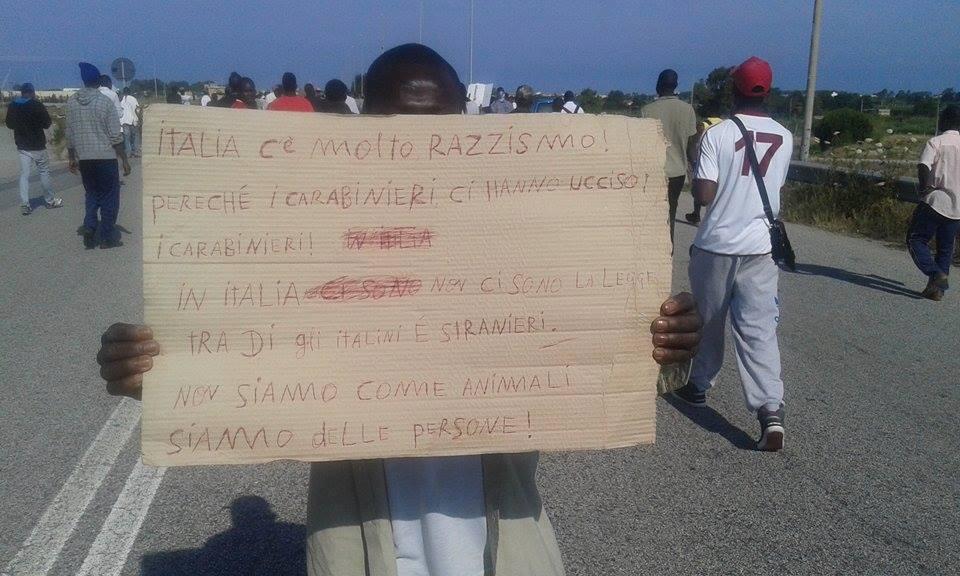 rosarno protesta carabiniere 2