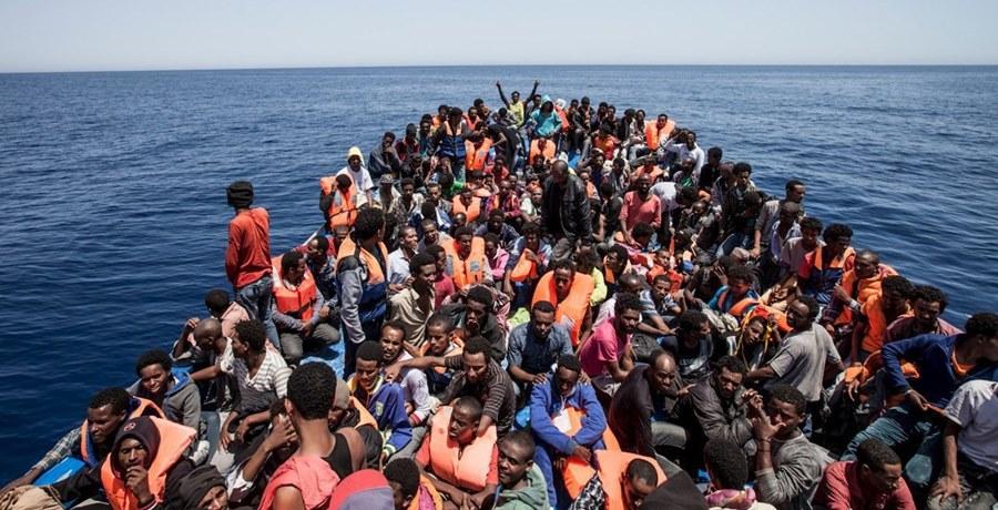 Migranti, 38 fermi per smantellare traffico organi