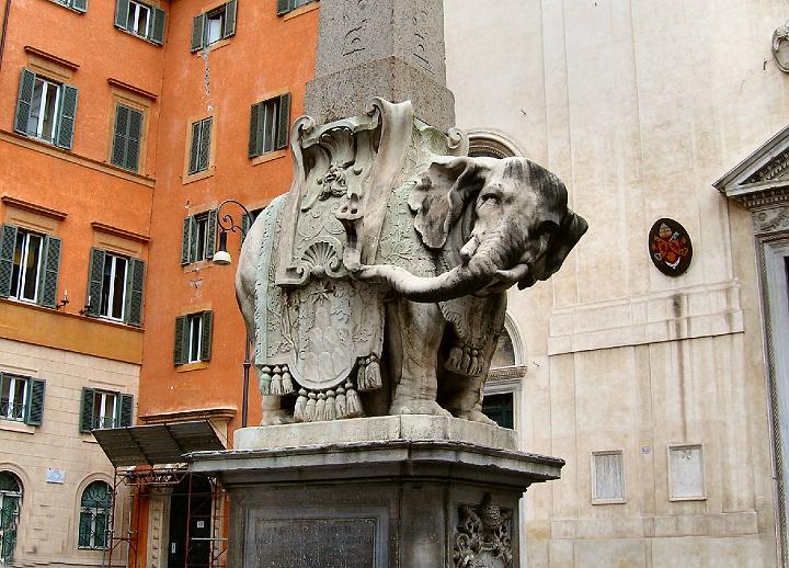 piazza-della-minerva-elefante-del-bernini