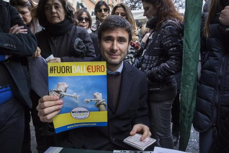 movimento 5 stelle -referendum costituzionale euro-grillo-2 uscita dall'euro