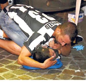 piazza san carlo soldato kelvin mohammed eroe libero giornale - 8