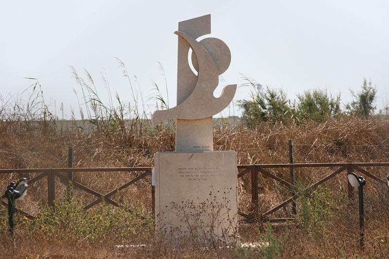 pino pelosi monumento pasolini ostia