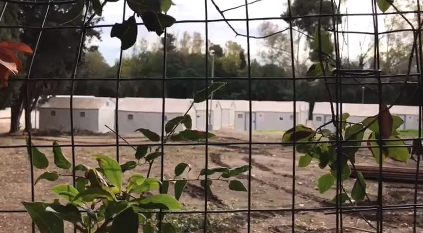 movimenti per la casa proteste grillo raggi roma casette ikea - 3